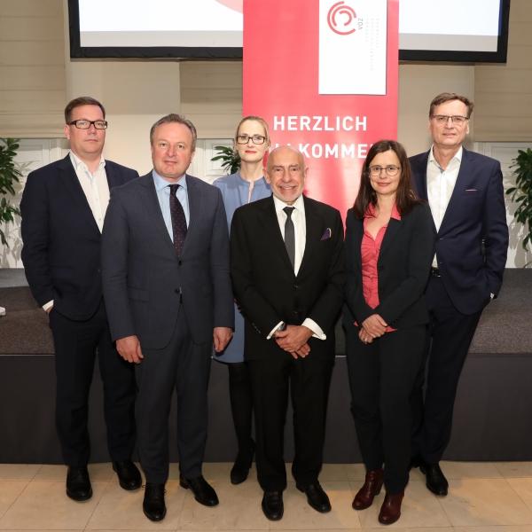 Johannes Vetter, Boris Schramm, Clarissa Moughrabi, Mario R. García, Esther Mitterstieler und Thomas Kralinger