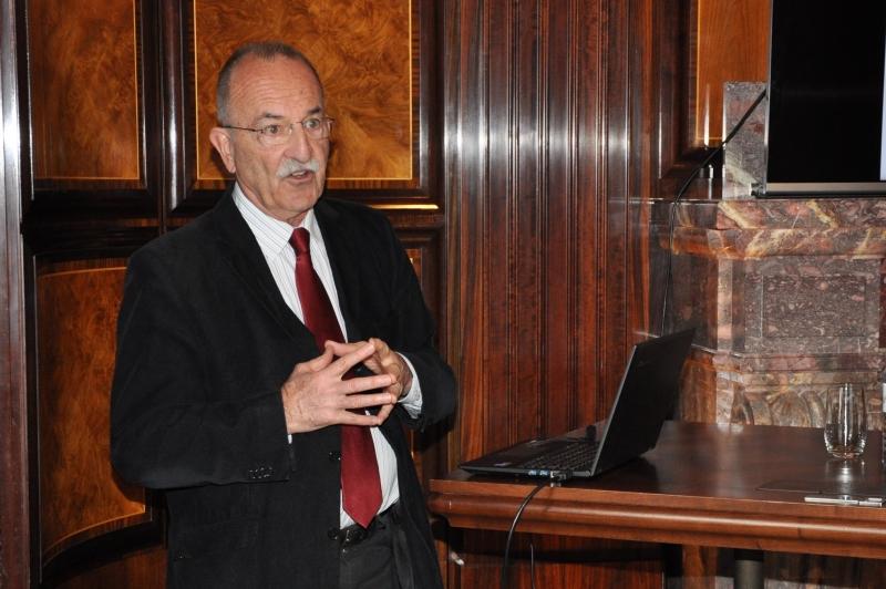 Stephan Russ-Mohl, Professor für Journalistik und Medienmanagement sowie Leiter des European Journalism Observatory an der Università della Svizzera italiana in Lugano.